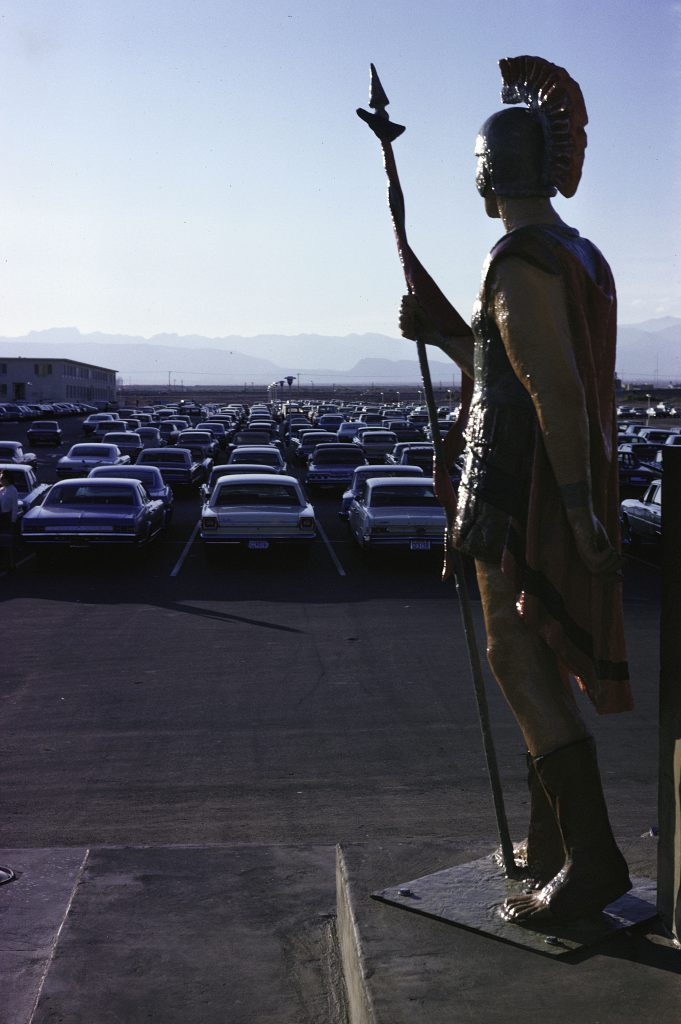 Römischer Legionär, Caesars Palace Hotel und Casino, Las Vegas, 1968. Courtesy Museum im Bellpark Kriens © Venturi Scott Brown & Associates